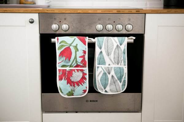 183Protea Original – JOINED OVEN GLOVES