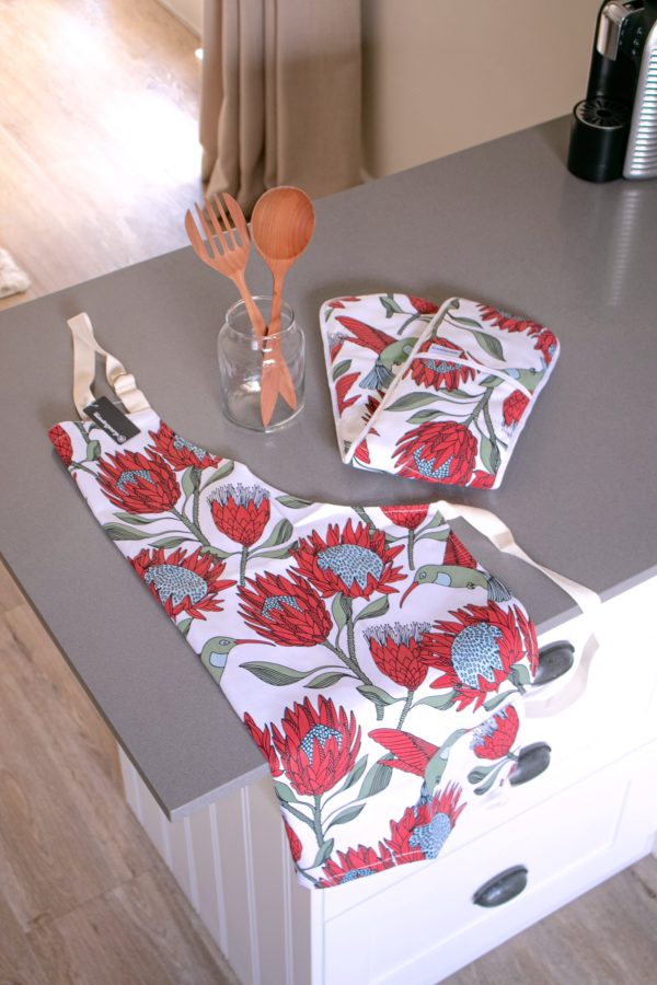 09 – APRON, OVEN GLOVE JOINED